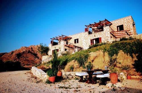 Last Minute Cottages - Ville du Soleil Maisonette