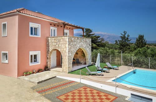 Last Minute Cottages - Villa Silveria