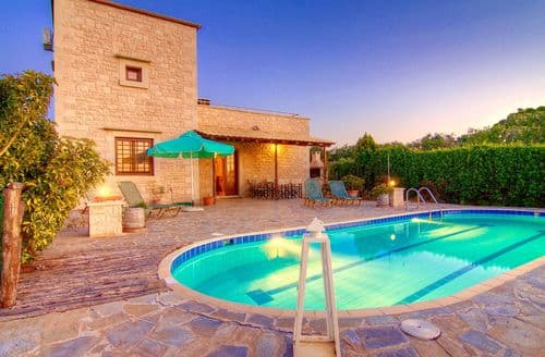 Last Minute Cottages - Villa Rhadamantys