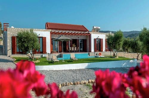 Last Minute Cottages - Villa Kyria