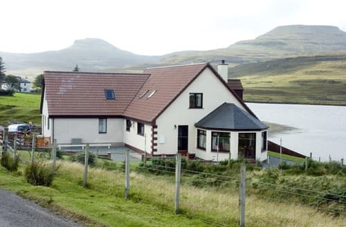 Big Cottages - Charming Isle Of Skye Cottage S4670
