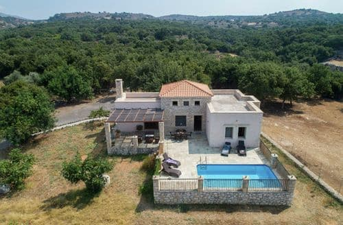 Last Minute Cottages - Villa Asterion