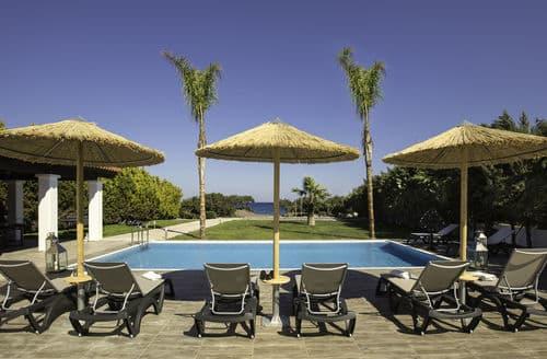 Last Minute Cottages - Gennadi Luxury Beach Front Villa
