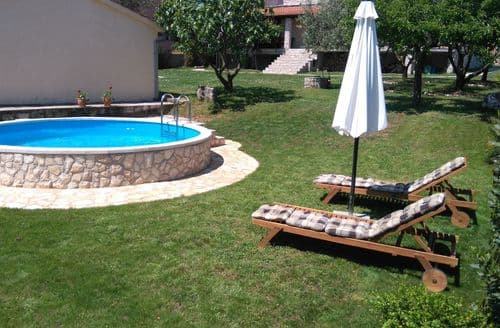 Last Minute Cottages - Holiday Home Roko