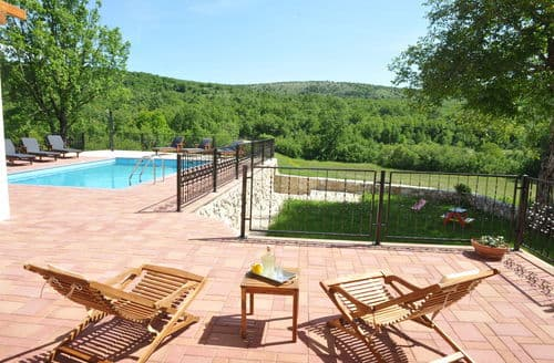 Last Minute Cottages - Villa Perfect Relax