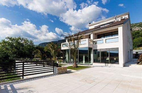 Last Minute Cottages - Villa Vesna