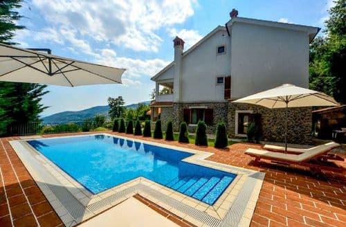 Last Minute Cottages - Villa Harmonia