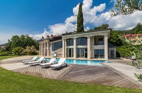 Last Minute Cottages - Villa Aquari