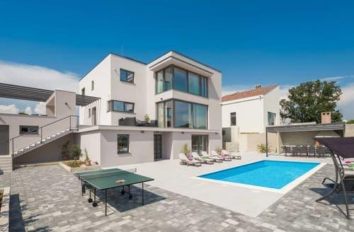 Last Minute Cottages - Luxury villa Orijana