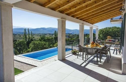 Last Minute Cottages - Villa IN EXCELSIS