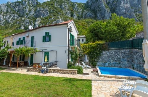 Last Minute Cottages - Holiday Home Baretic