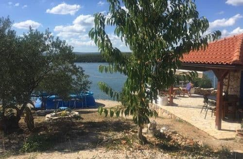 Last Minute Cottages - Vrulje Beach House