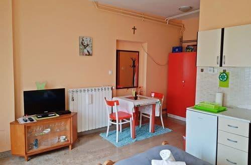 Last Minute Cottages - Studio Apartment Mima