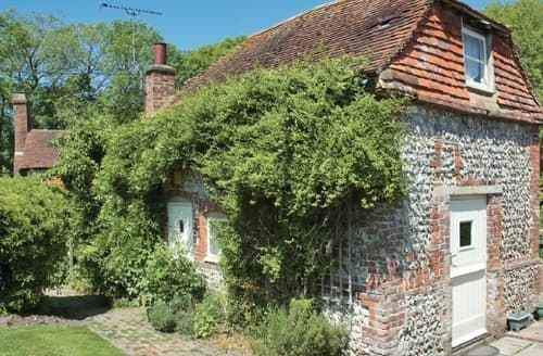 Dog Friendly Cottages - Attractive Arundel Cottage S13773