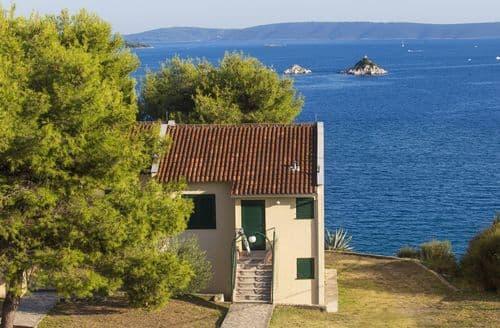 Last Minute Cottages - Resort Belvedere 5