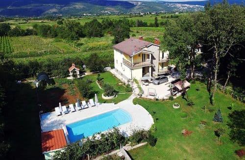 Last Minute Cottages - Villa Estera
