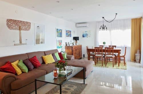 Last Minute Cottages - Cozy Apartment Brela