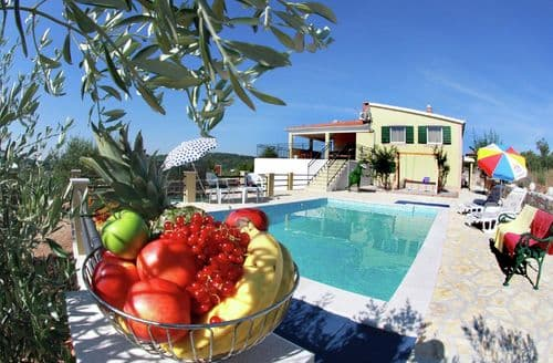 Last Minute Cottages - Grohote Holiday Home