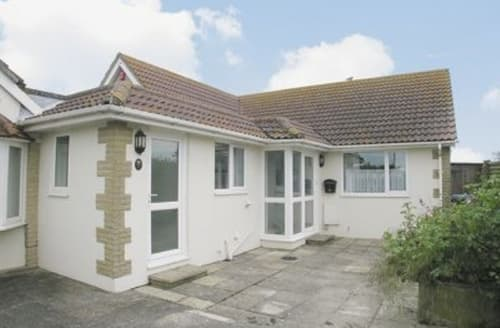 Last Minute Cottages - Inviting Bognor Regis Cottage S13878