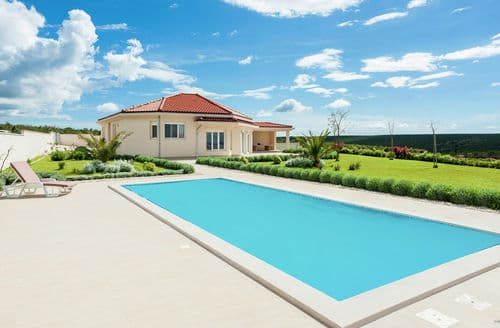 Last Minute Cottages - Villa Roko