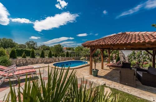 Last Minute Cottages - Holiday house Tereza