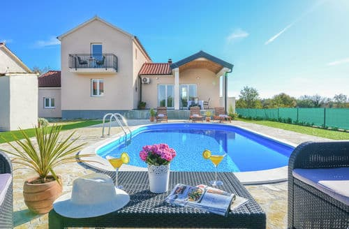 Last Minute Cottages - Holiday house Josipa