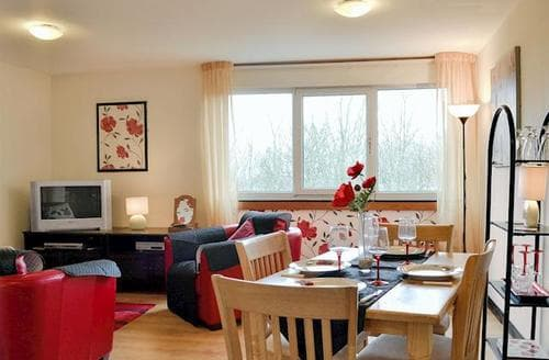 Last Minute Cottages - Wonderful Helensburgh Apartment S45156