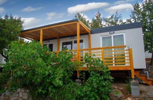Last Minute Cottages - Camp Klenovica 3
