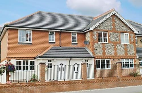 Last Minute Cottages - Wonderful Eastbourne Cottage S13934