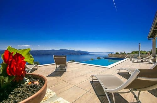 Last Minute Cottages - Villa Kalina