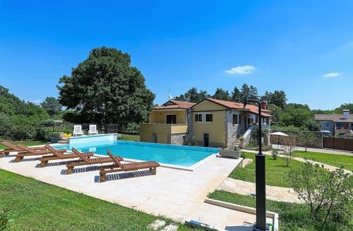 Last Minute Cottages - Spacious villa Sany with private pool