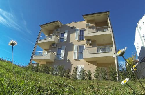 Last Minute Cottages - Apartment Premantura C