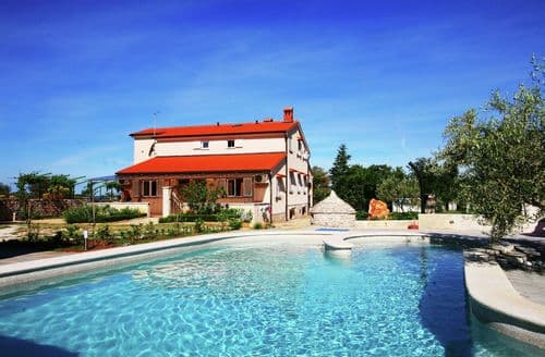 Last Minute Cottages - Villa Ulika Apt 3