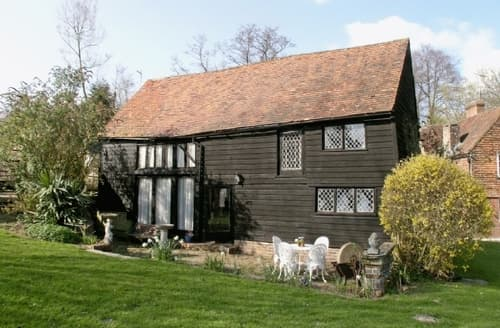 Last Minute Cottages - THE OLD BARN AT BOLEBROKE