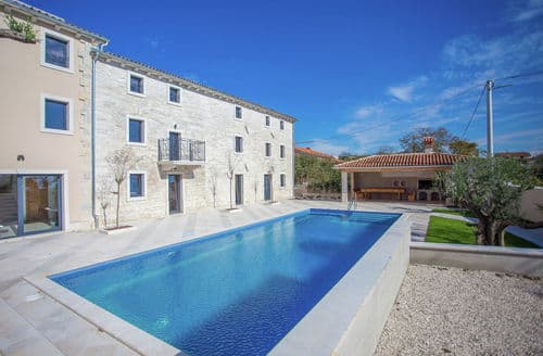 Last Minute Cottages - Villa Simeanna with Sauna and Private Pool