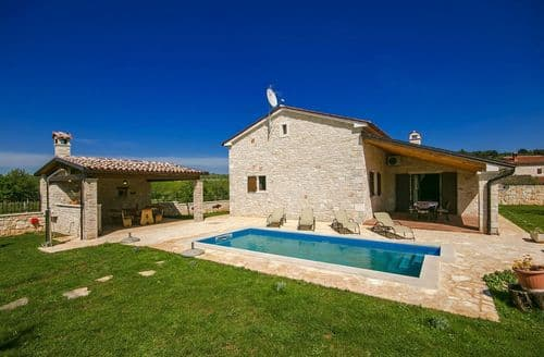 Last Minute Cottages - Villa Annabelle