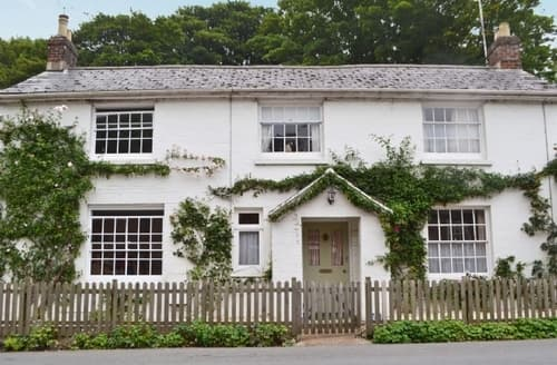 Last Minute Cottages - Beautiful Brighstone Cottage S38137