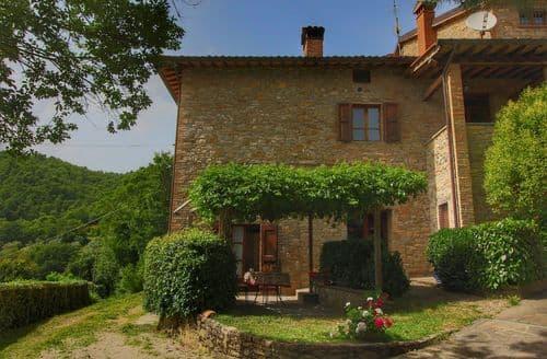 Last Minute Cottages - La Pergola
