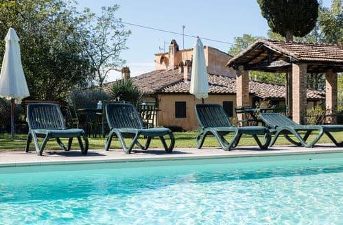Last Minute Cottages - Villa Oliva