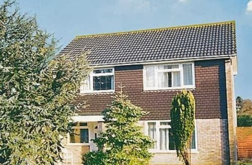 Big Cottages - CEDAR TREE HOUSE