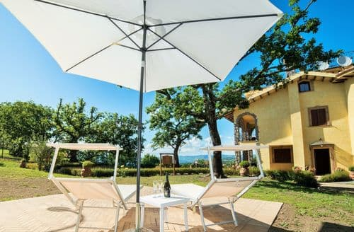 Last Minute Cottages - Il Giglio 12