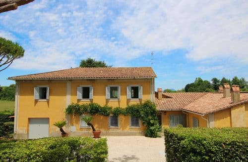 Last Minute Cottages - Villa Manziana