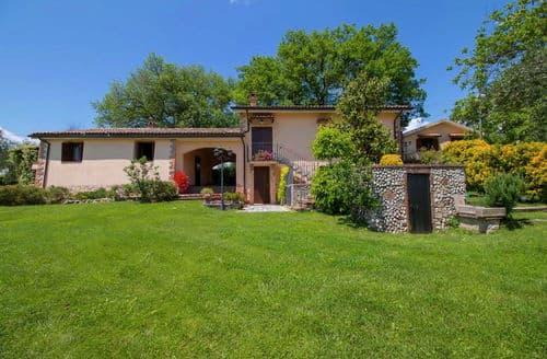 Last Minute Cottages - Pino