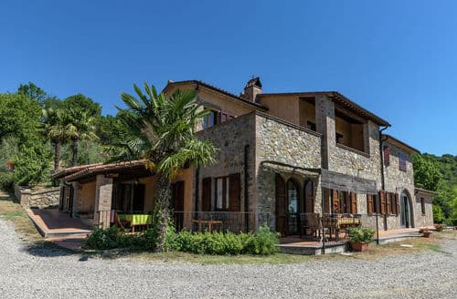 Last Minute Cottages - Zafferano