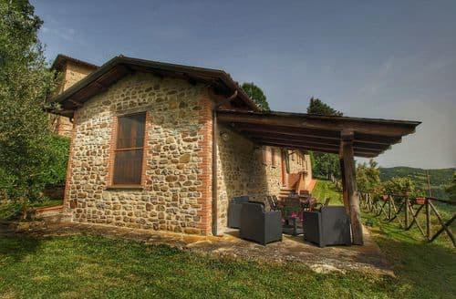Last Minute Cottages - Vista