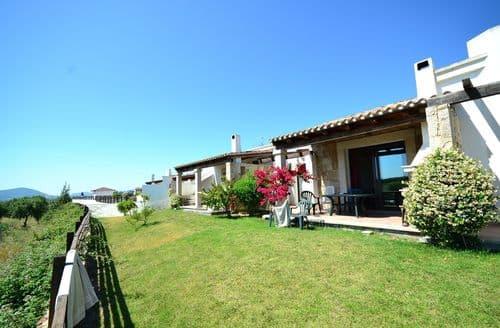Last Minute Cottages - Villa Capocaccia