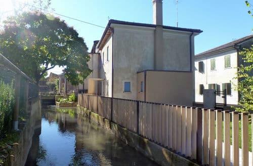 Last Minute Cottages - Casa sul Piave