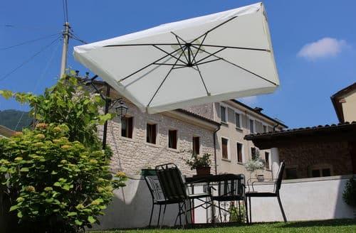 Last Minute Cottages - Ca' Pietra Pi Uno