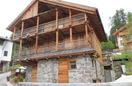 Last Minute Cottages - Chalet Edelweiss One