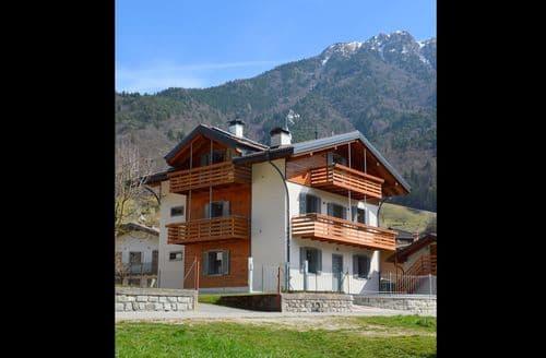 Last Minute Cottages - Maria Quadri Primo Piano